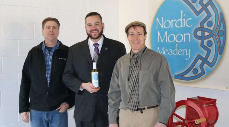 Rep. Davis Tours Nordic Moon Meadery